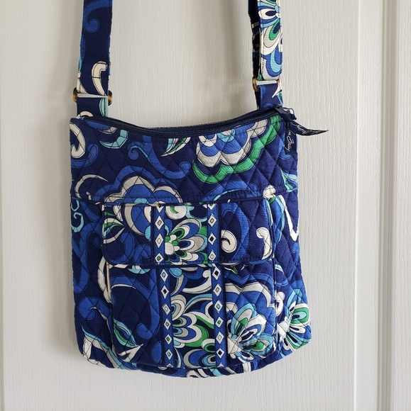 Vera Bradley Handbags - Vera Bradley blue crossbody purse